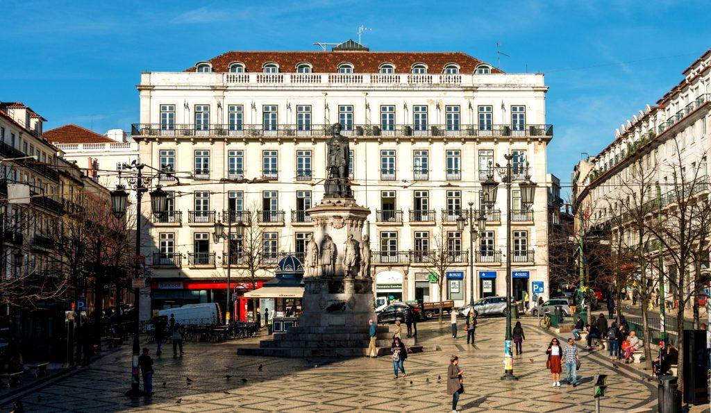 Le Consulat Praça Luis de Camoes